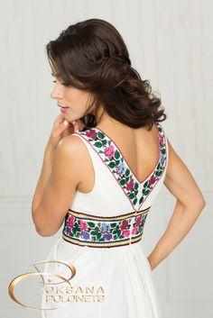 Весільна сукня з вишивкою http://polonets.prom.ua/