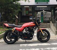 Honda Bikes, Honda Motorcycles, Honda Cb, Cars And Motorcycles, Cafe Racer Moto, Retro Bike, Japanese Motorcycle, British Motorcycles, Cb750