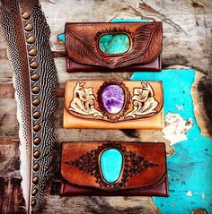 When you think of leather artists, sometimes you're mind goes straight to an old fart, tooling the same old floral leather patterns on the same old belt, but Buffalo Girl leather works are so far from that, they mind as well be on the other side of the world, and in fact, they are! The …