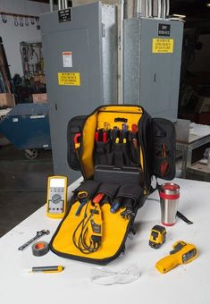 Fluke Pack30 Professional Tool Backpack allows maintenance professionals to easily carry, protect, and access all the tools they need for the day Hvac Tools, Electrical Tools, Electrical Engineering, Ridgid Tools, Dewalt Tools, Van Storage, Tote Storage, Electrician Tool Bag, Tool Backpack
