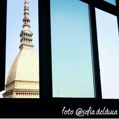 """#Torino raccontata dai cittadini per #inTO.  Foto di sofia.delduca """"È tempo di esami per noi studenti, ma guardare fuori dalla finestra è rassicurante"""". #moleantonelliana #archilovers #window #urban e #instadaily #picoftheday"""