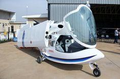 Amphibious Aircraft, Propeller Plane, Sea Plane, Air Space, Amphibians, Baby Strollers, Aviation, Design Interior, Vehicles