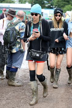 Glastonbury Street Style: A Lesson In Looking Good While Covered In Mud…