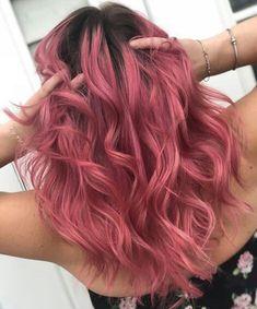 Frisuren Hair balayage gray rose gold 29 ideas gold Choosing A Shower Hair Dye Colors, Cool Hair Color, Hair Color Pink, Hair Colour Ideas, Fall Hair Colors, Aesthetic Hair, Coloured Hair, Dye My Hair, Dyed Hair Pink