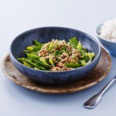 Thai salat med kylling og sukkerærter