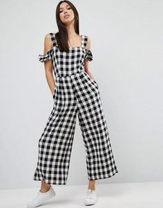 Search for gingham jumpsuit at ASOS. Shop from over styles, including gingham jumpsuit. Discover the latest women's and men's fashion online Gingham Jumpsuit, Cotton Jumpsuit, Prom Jumpsuit, Street Style Outfits, Looks Street Style, Summer Outfits, Casual Outfits, Fashion Outfits, Latest Fashion Trends