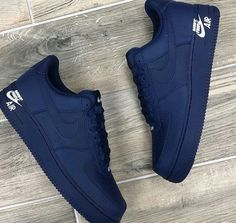 Pin by Corazón Chávez on Shoes in 2019 Cute Sneakers, Sneakers Nike, Souliers Nike, Basket Style, Jordan Shoes Girls, Nike Shoes Air Force, Fly Shoes, Aesthetic Shoes, Hype Shoes