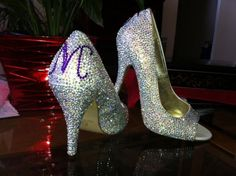 ooooooo....bedazzled shoes