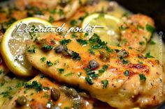 recette-piccata-de-poulet Poulet Piccata, Moussaka, Lunch Meal Prep, Casserole Dishes, Chicken Recipes, Food And Drink, Favorite Recipes, Healthy Recipes, Meals