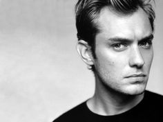 Jude Law (Okay, this is a pun, but hey. Jude Law is pretty cool. I like most of his movies. Jude Law, Robert Redford, Pretty People, Beautiful People, 3 4 Face, Video Humour, Matt Damon, Jason Statham, Hollywood Actresses