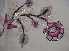 embroidery stitches: Knot Stitch