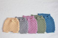 Ravelry: Såpebobleshortsen pattern by Hilde Tunheim Johannesen Ravelry, Lace Shorts, Baby Shower Gifts, Knitted Hats, Stitch, Knitting, Crochet, Cotton, Patterns