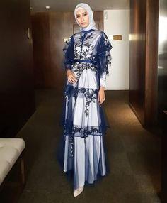 Modern Hijab Fashion, Pakistani Fashion Casual, Batik Fashion, Abaya Fashion, Muslim Fashion, Modest Fashion, Fashion Dresses, Hijab Dress Party, Hijab Style Dress