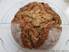 In maar één uur een lekker, karnemelkse brood bakken. - Lekker Tafelen