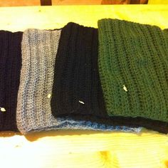 crochet gifts, easy cowls for men Crochet Gifts, Cowls, Beanie Hats, Knitted Hats, Knitting, Easy, Men, Fashion, Moda