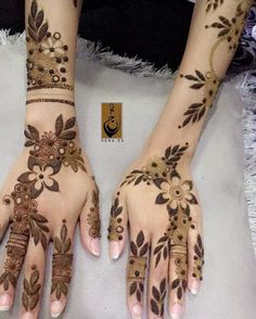 Floral Henna Designs, Hena Designs, Henna Designs Feet, Arabic Henna Designs, Stylish Mehndi Designs, Wedding Mehndi Designs, Mehndi Designs For Fingers, Mehndi Art Designs, Mehndi Patterns