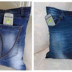 DIY como hacer un cojín multiusos vaquero Pin Cushions, Pillows, Denim Shorts, Womens Fashion, Pants, Stuff To Buy, Diy, Gandhi, Ideas Para