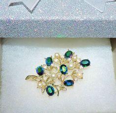 1620~Vintage Signed Lisner Silvertone Faux Pearl AB Green Rhinestone Brooch** #Lisner