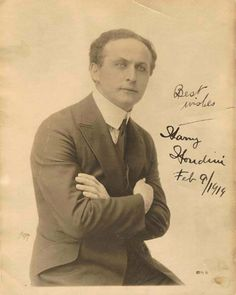 Gallery of Harry Houdini Photos Advertising History, Circus Performers, Famous Faces, Historian, Stunts, Vintage Photography, Historical Photos, The Magicians, Old Photos