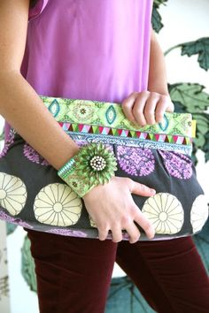 Amy Butler's new ribbon designs from Renaissance Ribbons! Ribbon Cuff Pattern available here - http://www.amybutlerdesign.com/pdfdownloads/ Charm clutch available here - http://www.amybutlerdesign.com/products/patterns_top.php