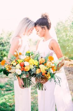 Same Sex Wedding Inspiration with Bright Citrus Decor – Alycia Moore Photography 28 Add color and a zesty burst of life to your wedding with fruity decors! #bridalmusings #bmloves #decor #citrus #weddingdecor #orange #ido #weddinginspo #weddinginspiratio #coolbride