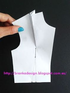 CURSO DE CORTE Y CONFECCIÓN DE BLUSAS ONLINE GUÍA COMPLETA GRATIS PARA PRINCIPIANTES Dress Sewing Patterns, Blouse Patterns, Blouse Designs, Origami Patterns, Sewing Pants, Gown Pattern, Techniques Couture, Blouse Models, Sewing Stitches