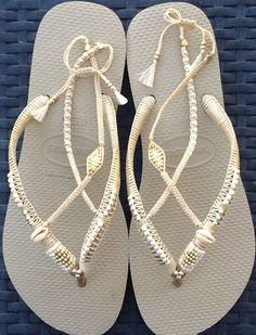 Comfortable Wedding Shoe, Silver & Gold Wedding Decorated Flip Flop Sandals Flat Thong Slippers based on Cream Havaianas - 100% Handmade. You can decorate your hands, ears, neck but also … your feet! These are an absolutely unique Must Have Flip Flops!!! The combination between style and comfortable at the same pair of sandals. By decorating I used professional jewelry techniques and the highest quality materials varying from japanese beads, sterling silver beads, stone beads, shells a...