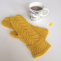 Grove mittens by mettosaurus Project 3, Love S, Fingerless Gloves, Arm Warmers, Mittens, Wool, Knitting, Yellow, Purple