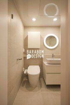 서초동 한신 49평 인테리어: 바라봄디자인의  화장실 Bathroom Interior, Interior Design Living Room, Living Room Decor, Bedroom Decor, Interior Concept, Sustainable Design, Design Trends, Toilets, House