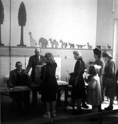 Robert Doisneau // Politics - 1er vote des femmes 29 avril 1945