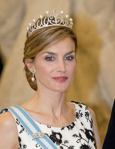 Tiara Mania: Pearl Fleur de Lys Tiara worn by Queen Letizia of Spain - perfect tiara for her .