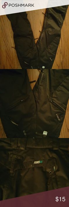 SKI PANTS Black ski pants with zippers in legs for storage items. 686 Pants
