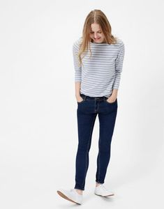 Find colorful camisoles, casual t-shirts & long-sleeved jerseys in the collection of Joules' women's tops. Joules Uk, Stylish Tops, Everyday Outfits, Blouses For Women, Normcore, Women's Tops, Tank Tops, How To Wear, Clothes
