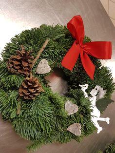 Christmas Wreaths, Holiday Decor, Home Decor, Decoration Home, Room Decor, Advent Wreaths, Interior Decorating