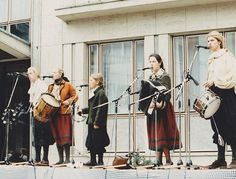 Singing in the streets 1989