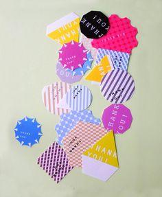 カラフルな模様、様々な形の一言メッセージカードです。ざらざらした質感の厚紙。裏面にメッセージが書けます。めんこのようなカードです。枚数:18枚サイズ:8cm〜... ハンドメイド、手作り、手仕事品の通販・販売・購入ならCreema。