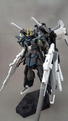 HGBF 1/144 Lightning Gundam Full Armed Custom: Work by akamasatou. Photoreview http://www.gunjap.net/site/?p=243628