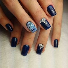 Accurate nails, Beautiful evening nails, Dark blue nails, Drawings on nails, Evening nails, Medium nails, Nails by a dark blue dress, Nails for a black evening dress
