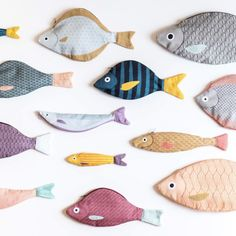 Love these Don Fisher creations! - Love these Don Fisher creations! Fabric Toys, Fabric Scraps, Scrap Fabric, Fabric Remnants, Don Fisher, Sewing Crafts, Sewing Projects, Fabric Fish, Iridescent Fabric
