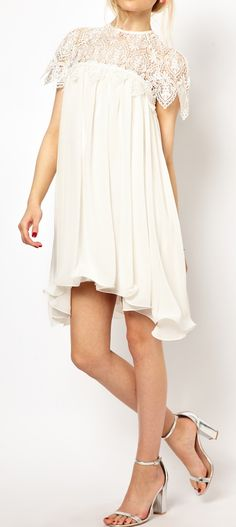 Lovely lace shoulders - this looks almost like the dress zoella wore on main stage during vidcon 2013