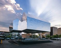 Reflective Mirrored House Symbolizes America's Resilience - My Modern Metropolis