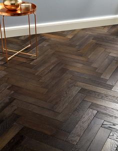 Subtle smoky tones, mesmerizing grains and knots as well as eye-catching tones make this engineered floor a perfect choice for any interior. Oxford Herringbone Vintage Oak adds character and natural charm to classic or modern living spaces. Direct Wood Flooring, Timber Flooring, Parquet Flooring, Types Of Wood Flooring, Cork Flooring, Dark Wood Floors, Engineered Wood Floors, Küchen Design, House Design
