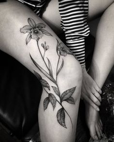 30 Gorgeous Orchid Tattoo Designs and Ideas - Page 2 of 3 - TattooBloq Splendid Blackwork Orchids by brunandradettt Scars Tattoo Cover Up, Scar Tattoo, Piercing Tattoo, Tattoos On Scars, Tatoos, Flower Leg Tattoos, Full Leg Tattoos, Leg Tattoo Placements, Tatuaje Art Nouveau