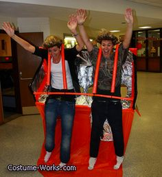 De Jevu Rollercoaster - DIY Halloween costume. This is hilarious!!