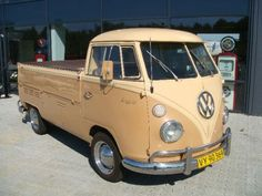 Volkswagen Pick Up Volkswagen Bus, Vw T1, Combi Split, Car Camper, Campers, Vw Classic, Combi Vw, Vw Cars, Car Images