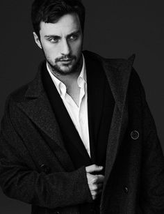 aaron taylor johnson suit - Buscar con Google