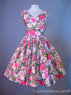 1950s pink roses full skirt dress.