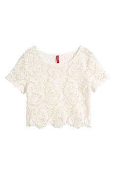 Top corto in pizzo Lacy Tops, Lace Crop Tops, Casual Outfits, Cute Outfits, Fashion Outfits, White Short Sleeve Shirt, Crop Shirt, Ideias Fashion, How To Wear