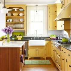 Come get inspired to bring yellow into your home decor. {photo from Better Homes & Gardens}