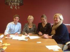 2013-11-01 ondertekening aankoop overeenkomst met September van pand Molenstraat tbv ouderen huisvesting